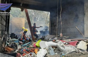 At least seven were hurt after a fire hit a residential area in Caloocan on Thursday, Nov. 14./Roberto Santos/Eagle News/