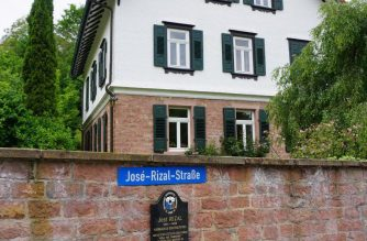 The vicarage where Rizal stayed and wrote the last chapters of his novel Noli Me Tangere.  (Das ist das Pfarrhaus, wo sich Rizal aufhielt, und wo er die letzten Kapitel seines Romans Noli Me Tangere schrieb.)  Photo and caption by Malou Francisco, EBC Europe Bureau, Eagle News Service)