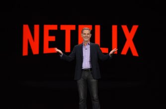 Netflix CEO Reed Hastings gives a keynote address, January 6, 2016 at the CES 2016 Consumer Electronics Show in Las Vegas, Nevada.  AFP PHOTO / ROBYN BECK (Photo by ROBYN BECK / AFP)