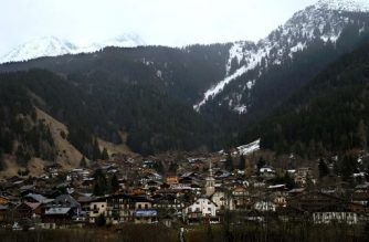 "This picture taken on February 10, 2020, shows a general view of Les Contamines-Montjoie, near Mont Blanc in the French Alps, where five British nationals including a child have tested positive for the new coronavirus in France. - The new ""cluster"" is centred on a Briton who had returned from Singapore and stayed in Contamines-Montjoie at the same ski chalet, Health Minister said on February 8, 2020. France has now detected a total of 11 cases of the novel coronavirus. (Photo by Alex MARTIN / AFP)"