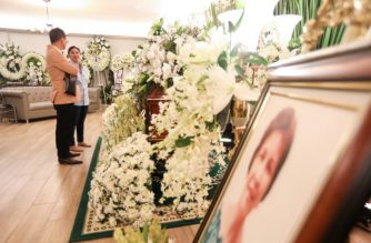 Presidential Spokesperson Salvador Panelo recently visited the wake of Salvacion Gerona, Vice President Leni Robredo's mother./Palace/