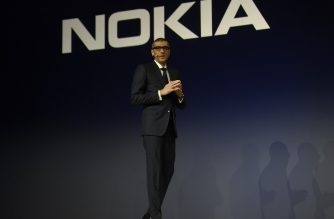 Nokia CEO Rajeev Suri gives a press conference on February 25, 2018 in Barcelona, on the eve of the inauguration of the Mobile World Congress (MWC). - The Mobile World Congress, the world's biggest mobile fair, is held in Barcelona from February 26 to March 1. (Photo by LLUIS GENE / AFP)