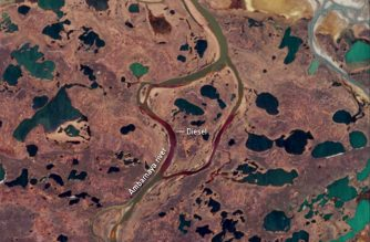 """A photo made available on June 5, 2020 by the European Space Agency shows a satellite image captured on May 31 by the Copernicus Sentinel-2 mission of the extent of an oil spill after some 20 000 tonnes of diesel oil leaked into the Ambarnaya river within the Arctic Circle. - Environmentalists said the oil spill, which took place last May 29, was the worst such accident ever in the Arctic region. (Photo by - / EUROPEAN SPACE AGENCY / AFP) / RESTRICTED TO EDITORIAL USE - MANDATORY CREDIT """"AFP PHOTO /EUROPEAN SPACE AGENCY """" - NO MARKETING - NO ADVERTISING CAMPAIGNS - DISTRIBUTED AS A SERVICE TO CLIENTS"""