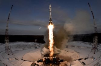 The Soyuz-2.1b rocket carrying Russia's Meteor-M 2-1 weather satellite and other equipment lifts off from the launch pad at the Vostochny cosmodrome outside the city of Uglegorsk, about 200 kms from the city of Blagoveshchensk in the far eastern Amur region on November 28, 2017. (Photo by Kirill KUDRYAVTSEV / AFP)