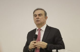 Former Renault-Nissan boss Carlos Ghosn addresses a large crowd of journalists on his reasons for dodging trial in Japan where he is accused of financial misconduct, at the Lebanese Press Syndicate in Beirut on January 8, 2020. - The 65-year-old fugitive auto tycoon vowed to clear his name as he made his first public appearance at a news conference in Beirut since skipping bail in Japan. Ghosn, who denies any wrongdoing, fled charges of financial misconduct including allegedly under-reporting his compensation to the tune of $85 million. (Photo by JOSEPH EID / AFP)