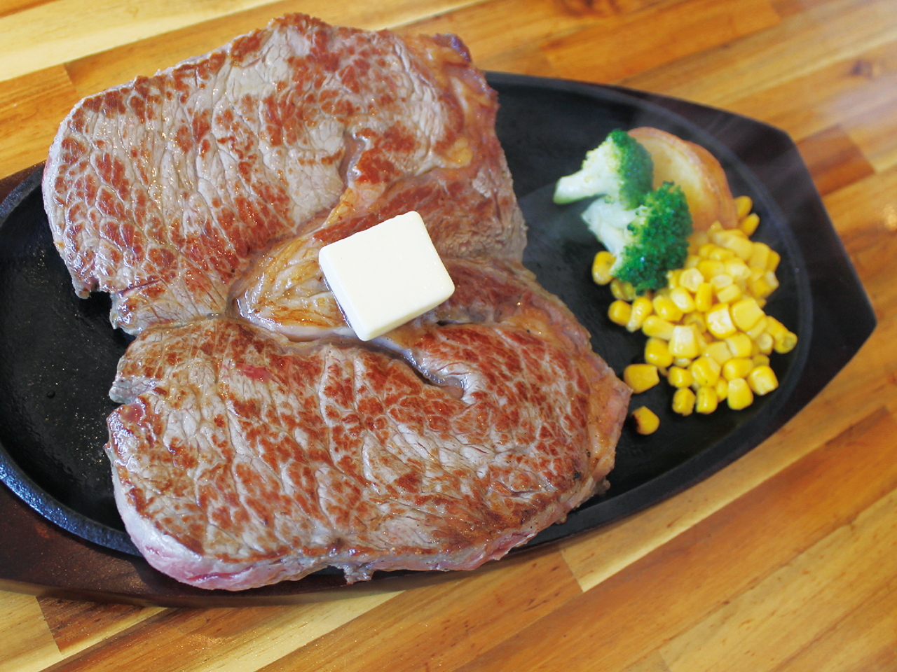 お肉を食べて、暑さを吹き飛ばせ! 肉肉カーニバル!!