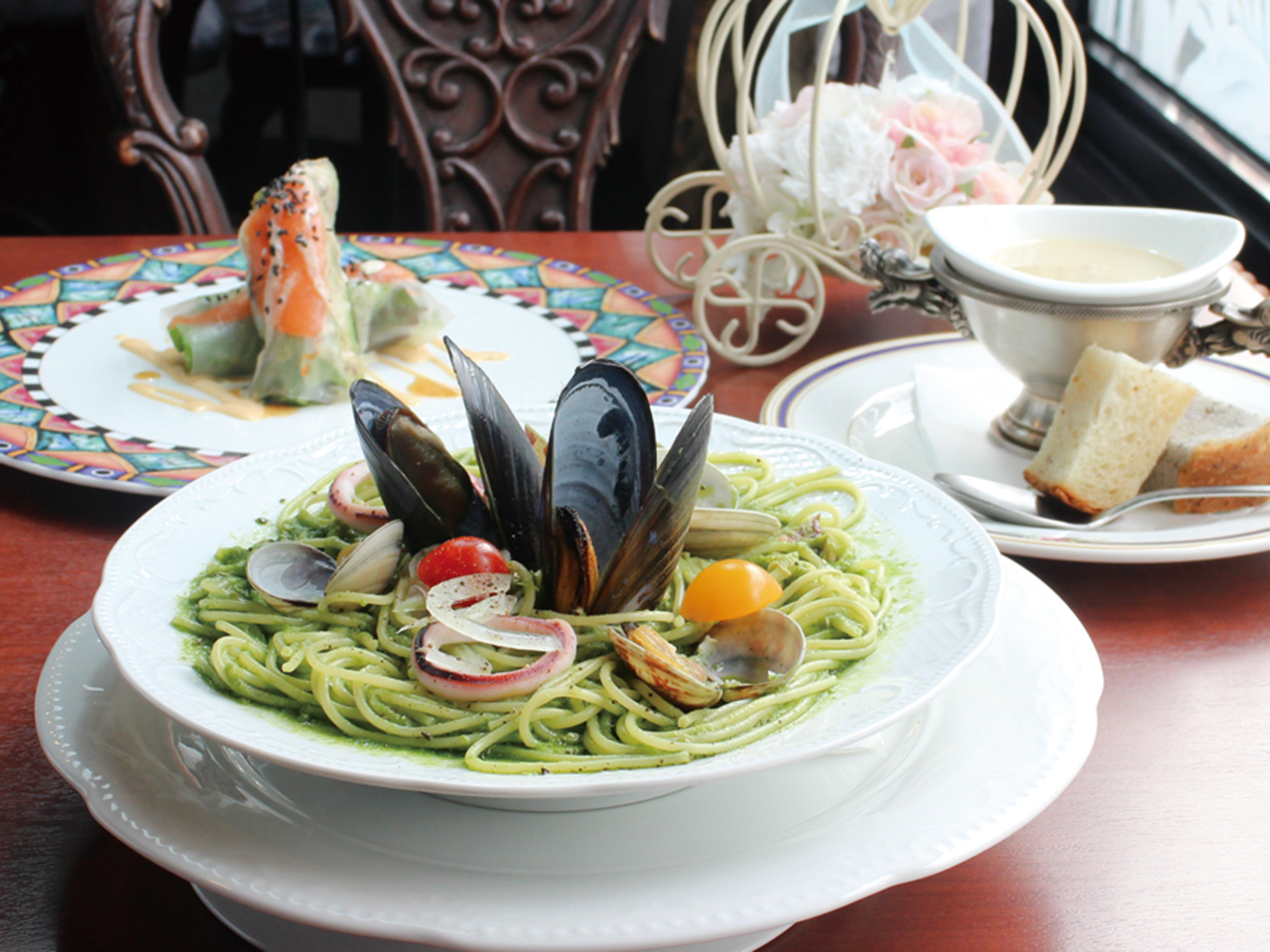 コアントロ_魚介の小松菜ジェノベーゼパスタ