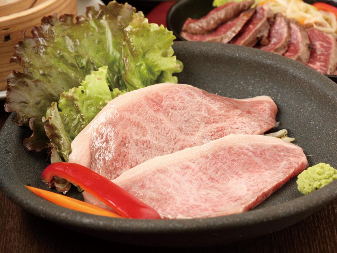 炭火炙り肉 康 のイメージ