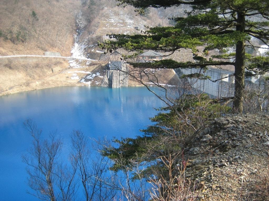 奥四万湖の画像