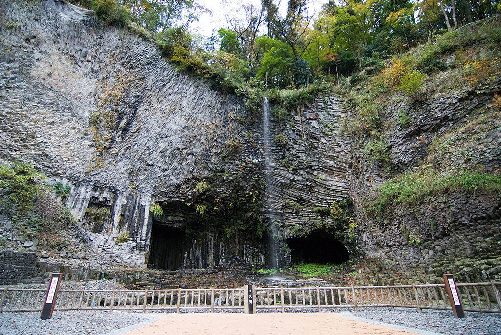 玄武洞の画像