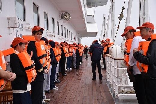 乗組員の火災・退船訓練