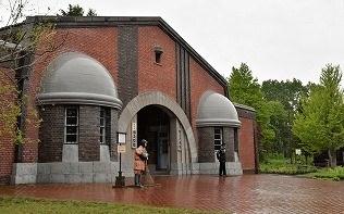 明治23年に造られた網走刑務所は、建築技術の粋を集めた文化財の宝庫である。