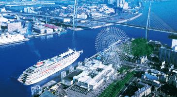 大阪港の飛鳥Ⅱ(イメージ)