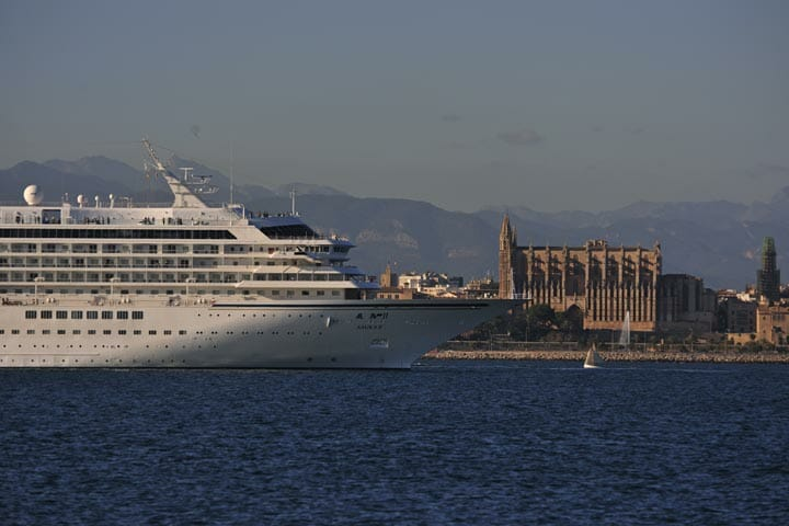 函館 最高の船旅(クルージング)をあなたに 豪華客船 飛鳥クルーズ