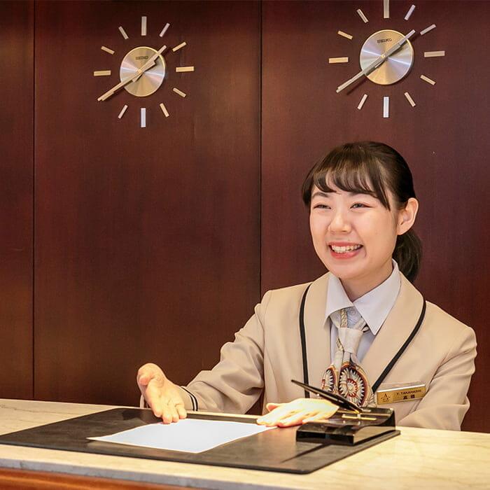 >飛鳥Ⅱ アシスタントパーサー 高橋 優羽