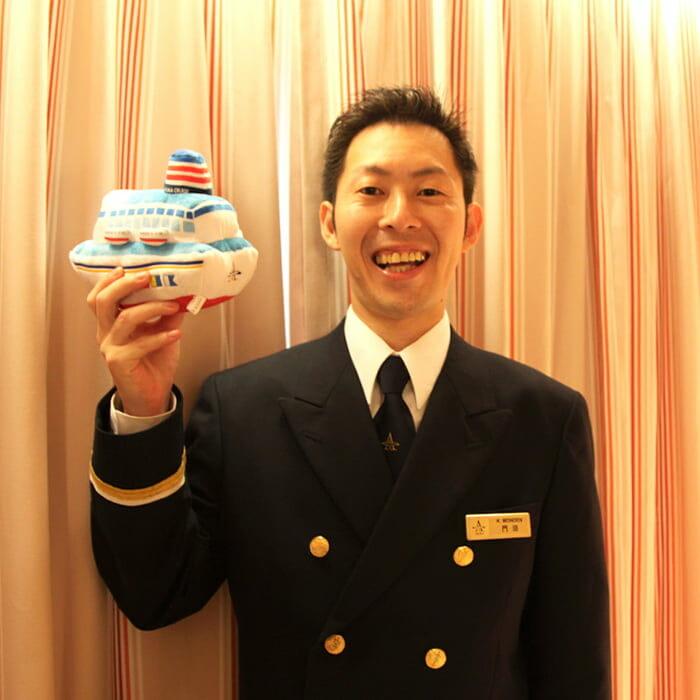 <飛鳥Ⅱ> アシスタントハウスキーピングマネージャー 門田 健作