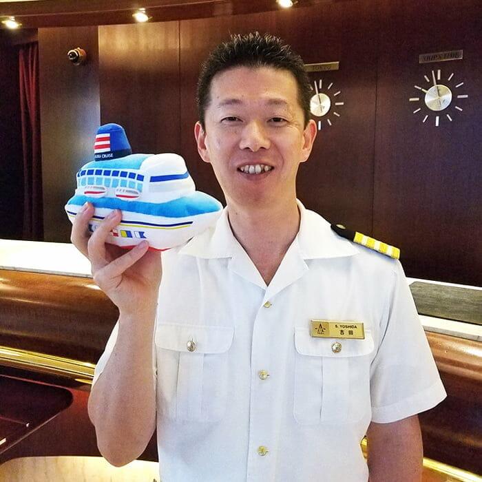 <飛鳥Ⅱ> ホテルマネージャー 吉田 悟