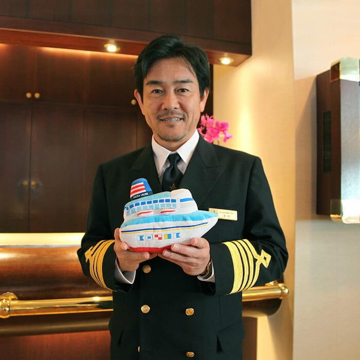 <飛鳥Ⅱ> 飛鳥クルーズ第13代船長 赤松 憲光