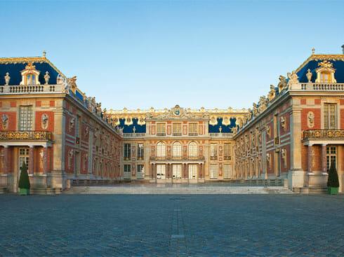 飛鳥クルーズ就航30周年記念特別企画<br>「ヴェルサイユ宮殿「戦闘の回廊」特別ディナー」へご乗船の皆様をご案内