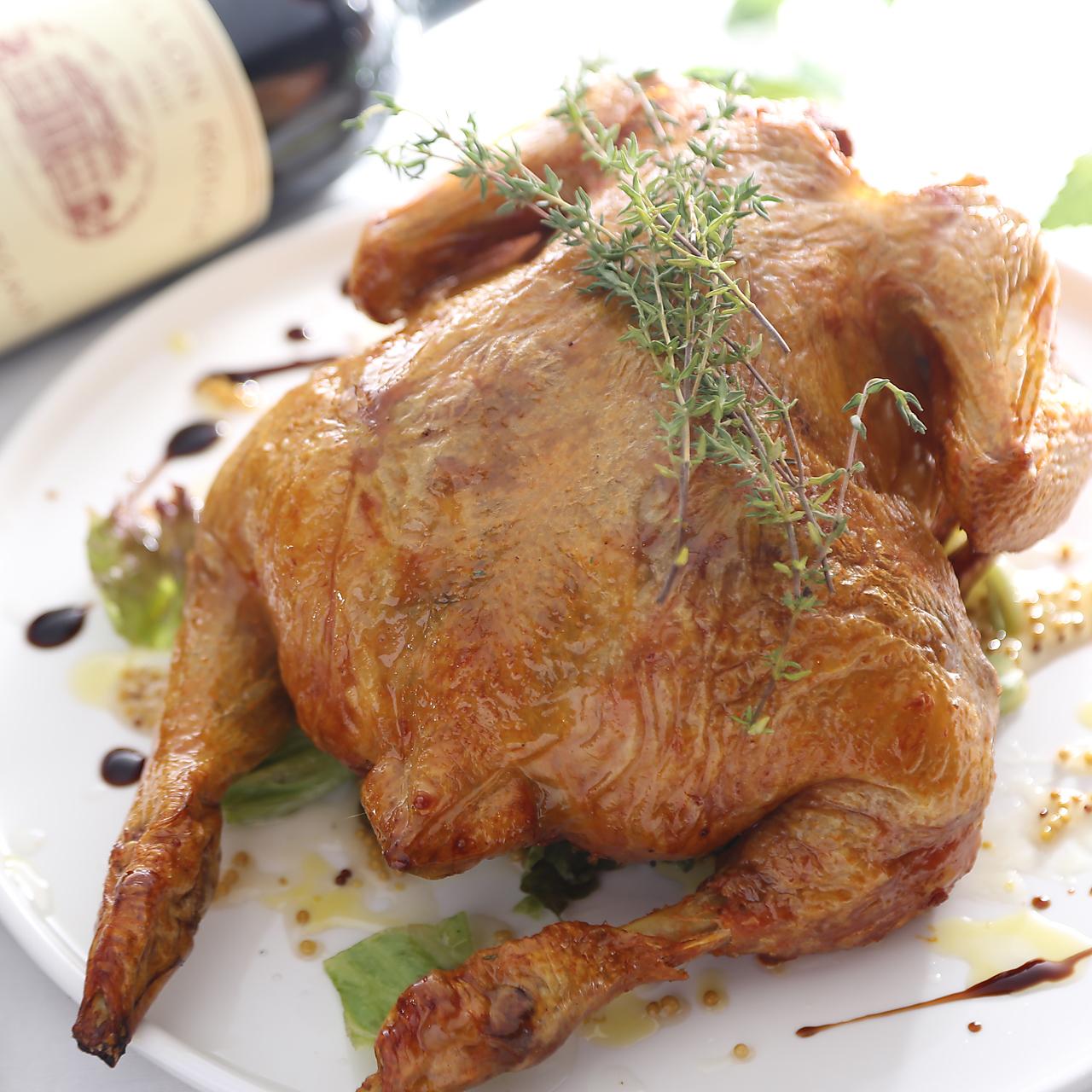 ワインや洋酒のお供にピッタリ☆丸ごとひな鶏のロースト