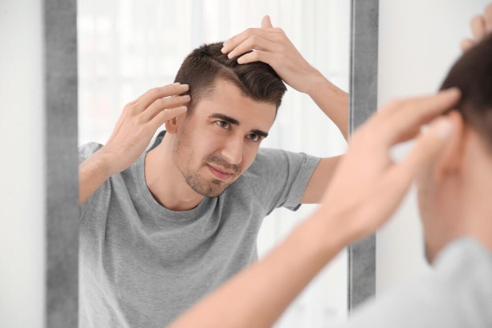 薄毛をカバーしながら格好良く見せる髪型とは?スタイリングのコツも紹介