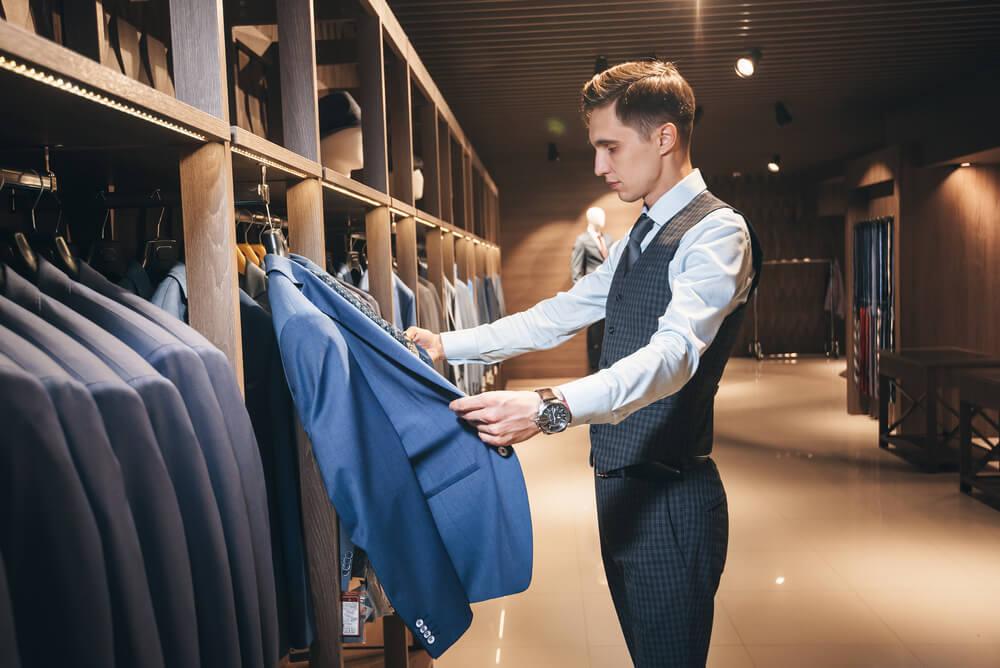 就活対策になるスーツは?選び方のポイントを徹底解説!