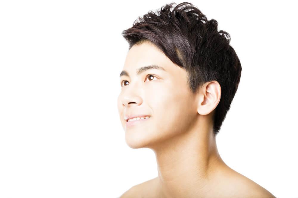 爽やかなアジア人男性