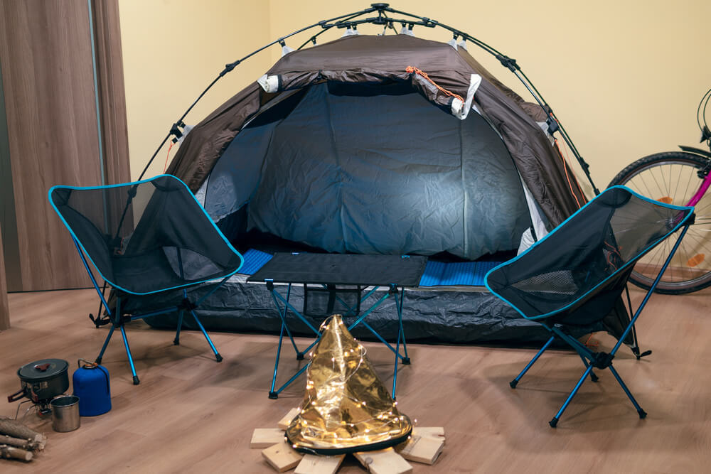 室内のキャンプ
