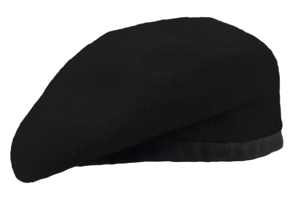 黒のベレー帽