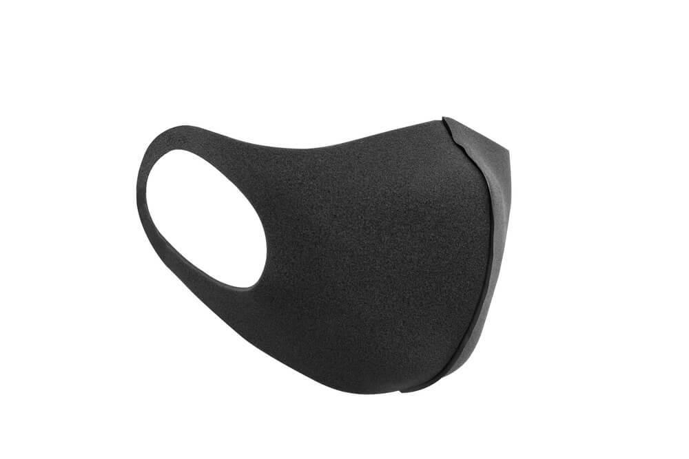 立体的な黒マスク