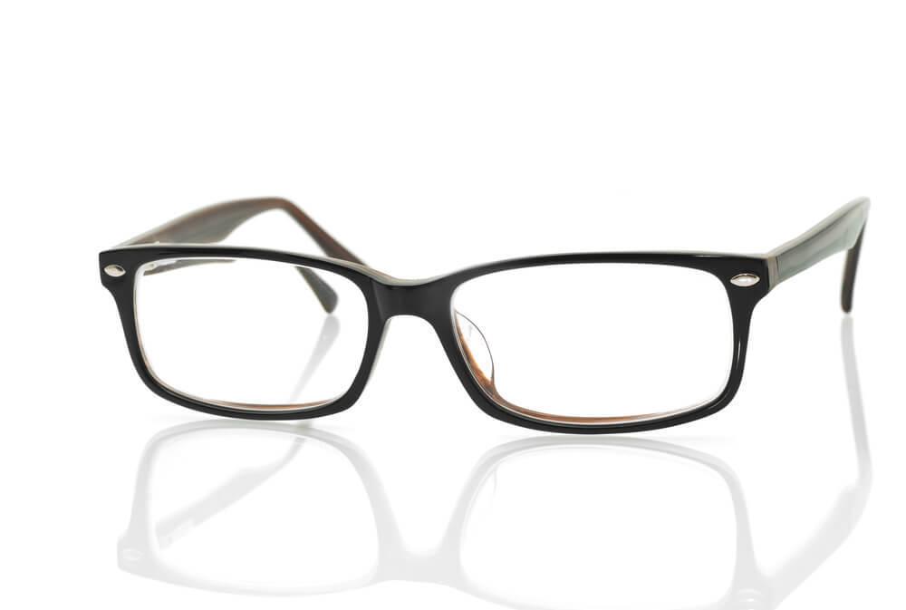 黒ぶちのメガネ