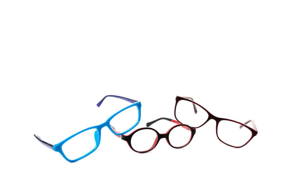 いろいろなフレームのメガネ