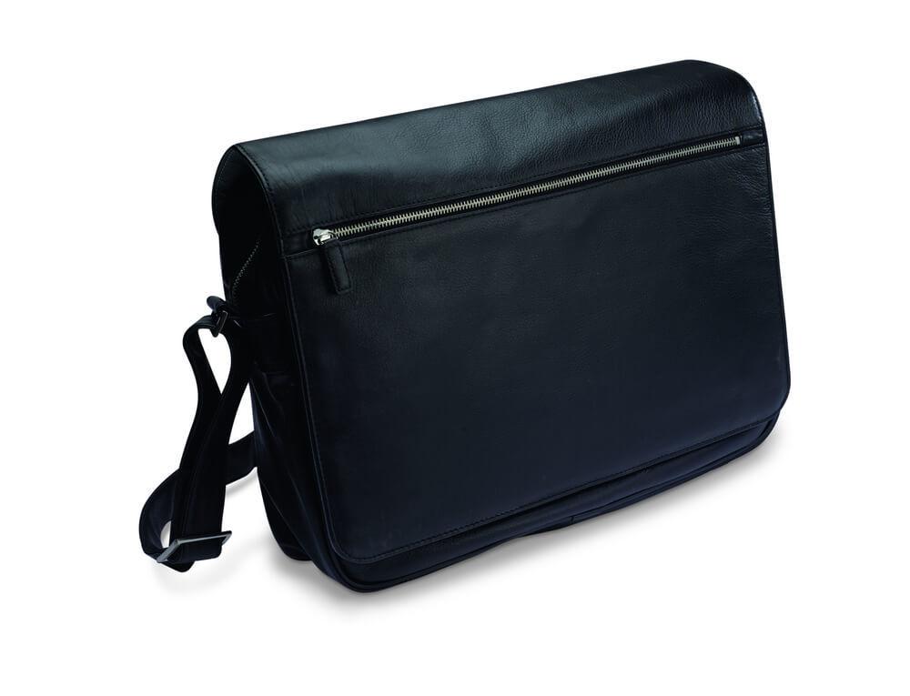 黒のメッセンジャーバッグ
