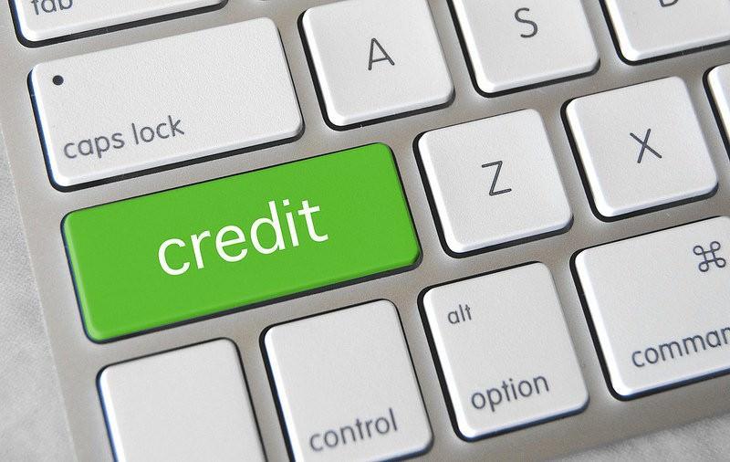 クレジットカード業界で人気の企業ランキング(業績・平均年収ランキング)のサムネイル画像