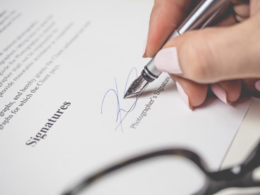 退職届と退職理由の書き方と例文・封筒の選び方と書き方のサムネイル画像