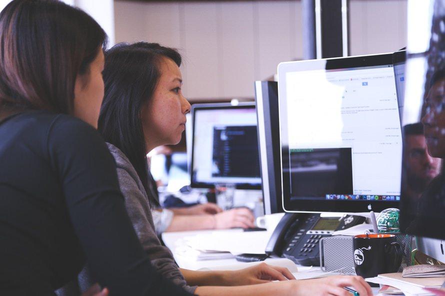 効率アップ!仕事で求められる「チームワーク」を高める方法のサムネイル画像