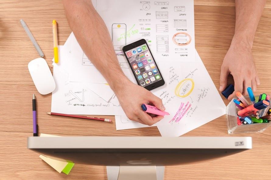 営業事務の仕事内容・やりがい・年収や給与・転職時の自己PR方法のサムネイル画像