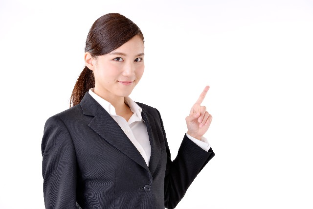 【就活面接】人事の興味を引く「自己紹介」のポイントと例文のサムネイル画像