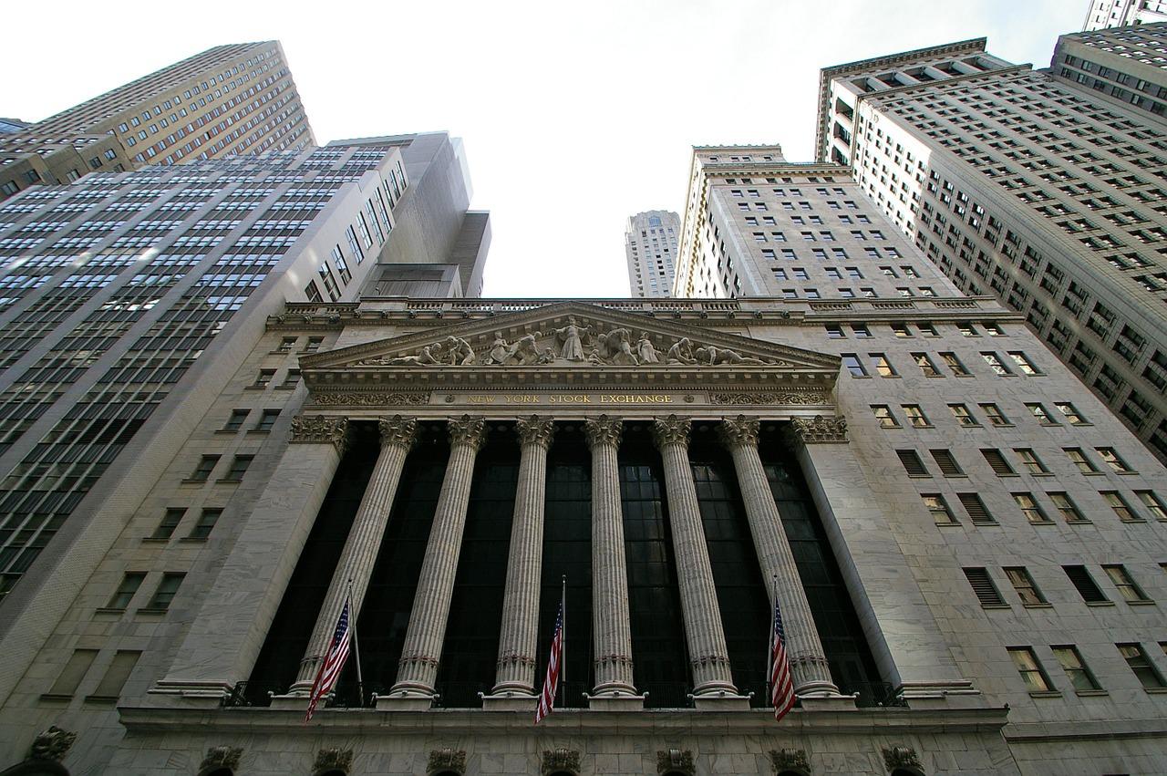 仮想通貨投資の仕組みと投資方法・おすすめ銘柄・投資のメリットのサムネイル画像