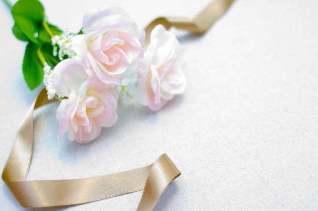 結婚式で袱紗がないのはマナー違反?|袱紗の包み方と中身の渡し方のサムネイル画像