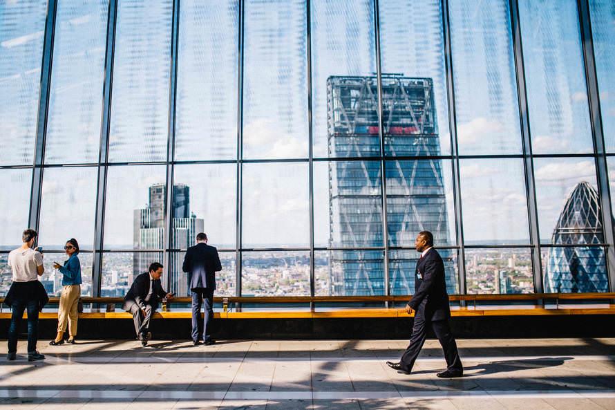 リモートワークを採用している企業とは リクルートでの事例のサムネイル画像