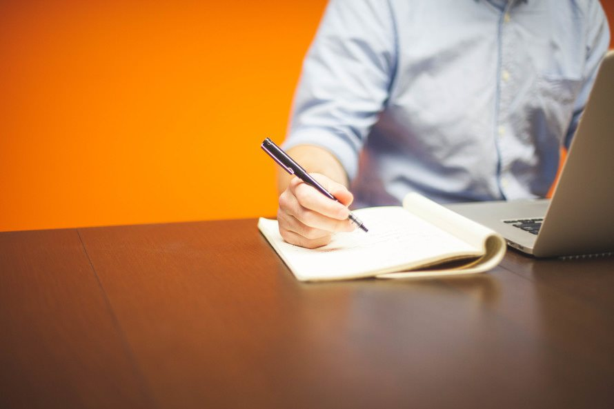 「精進します」の言葉の意味と使い方|精進のもともとの意味とは?のサムネイル画像