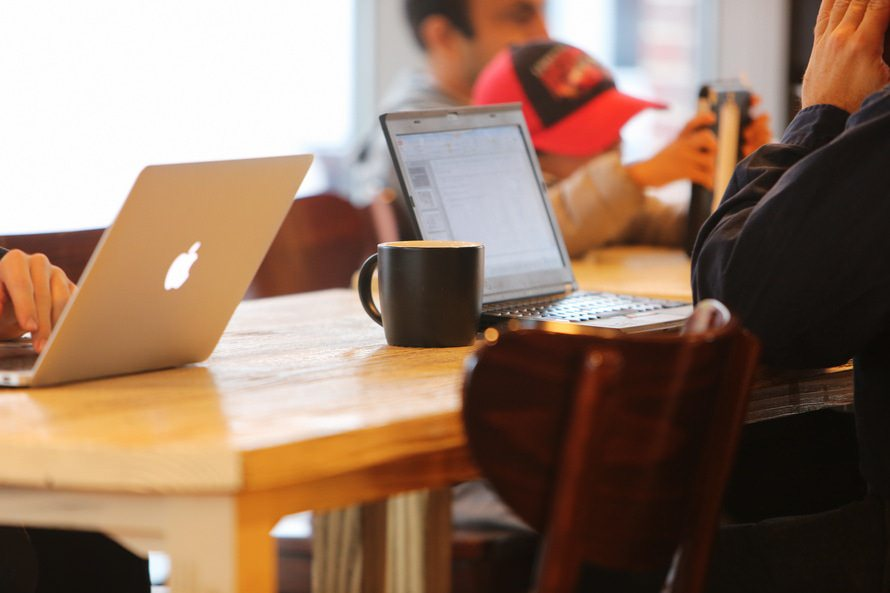 映像クリエイター年収と仕事内容|映像クリエイターの資格はある?のサムネイル画像
