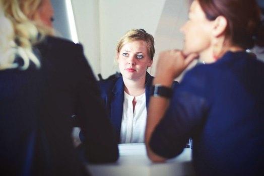 面接での受け答えの仕方とコツ|受け答えできない人の対処法のサムネイル画像