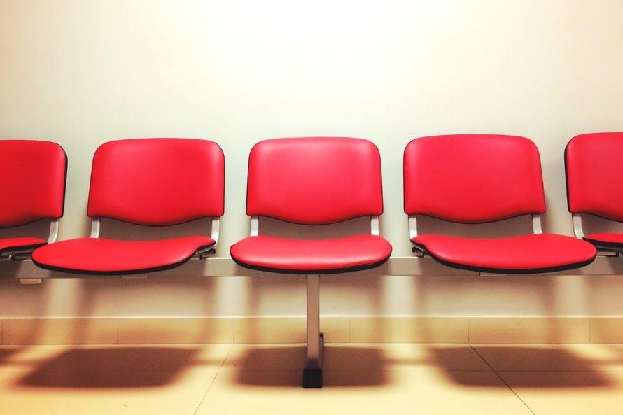 就活は平均何社受けるの?|新卒・中途の場合は平均何社面接すべき?のサムネイル画像