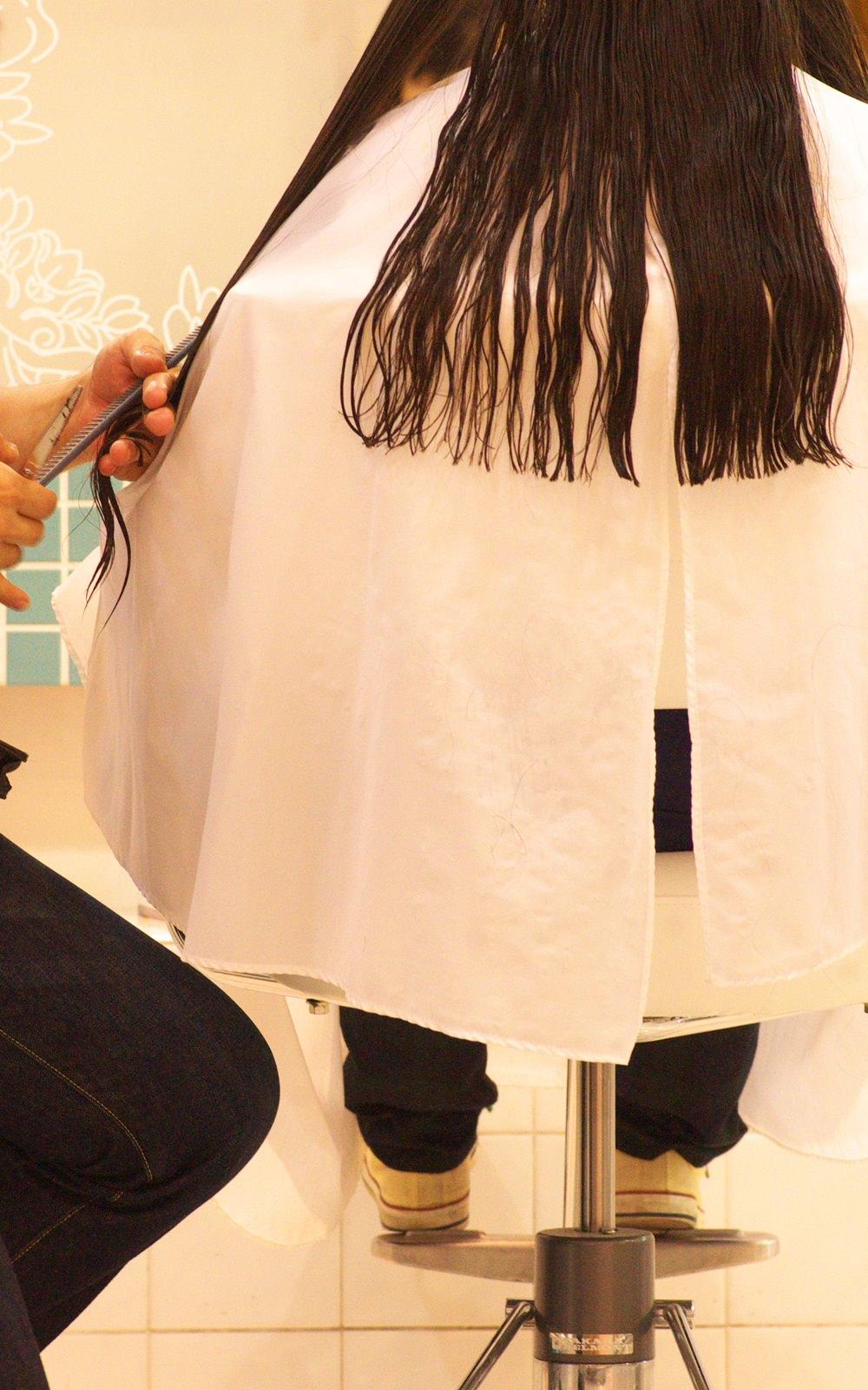 フリーランスの美容師の年収と集客方法|材料などはどうする?のサムネイル画像