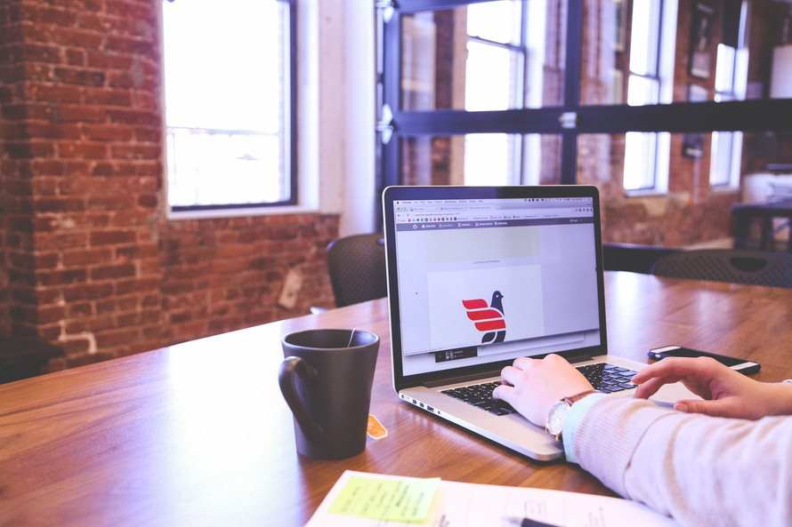 Webデザイナーの転職のコツ|未経験でもWebデザイナーに転職は可能?のサムネイル画像