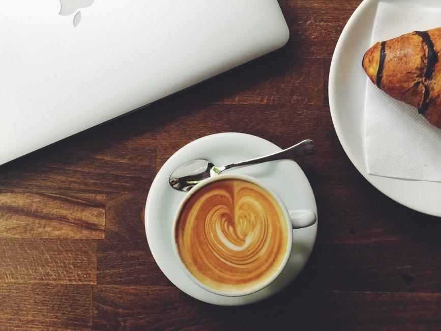 パン屋の志望動機の書き方|志望動機例文(履歴書/面接カード/面接時)のサムネイル画像