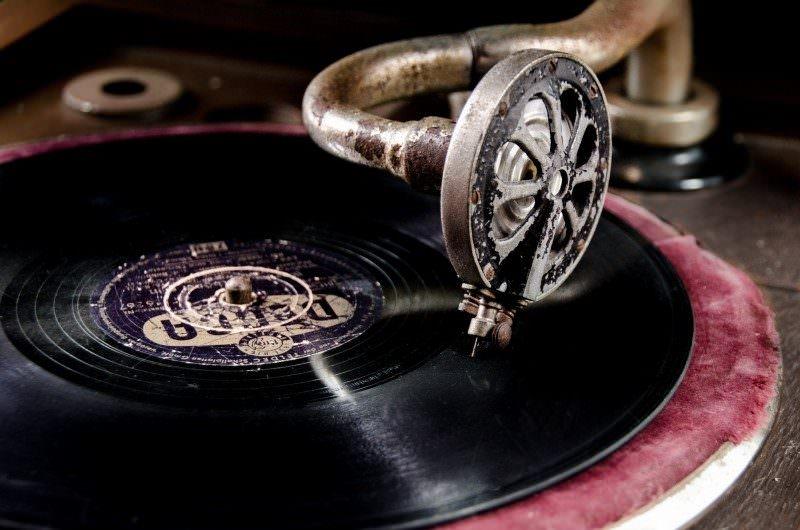 音楽業界企業の業績ランキング・平均年収ランキングのサムネイル画像
