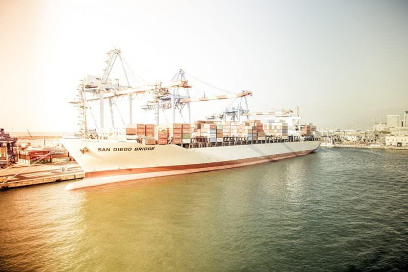 海運業界で人気企業の「業績ランキング」「平均年収ランキング」のサムネイル画像
